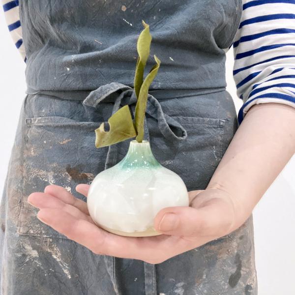 Ceramic vase for the Innenwald bookshelf exhibition